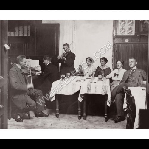 Photo d'époque musique n°01- Musiciens dans un café