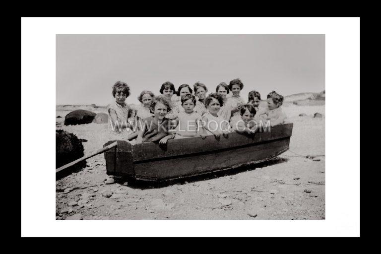 Photo d'époque Mer n°58 - Enfants dans une petite embarcation