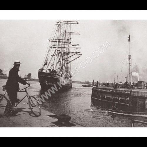Photo d'époque sur l'eau n°51 - Sortie du port