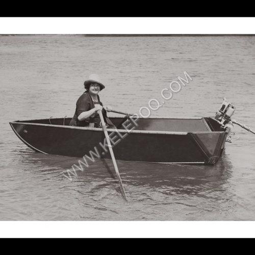 Photo d'époque Sur l'eau n°50 - barque