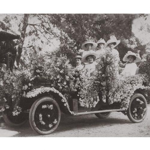 Photo d'époque Automobile n°72 - voiture décorée pour un mariage