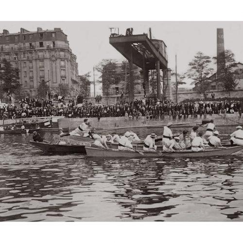 Photo d'époque Sur l'eau n°52 - Concours de joutes lyonnaises - Ile du cygne à Passy - 1912