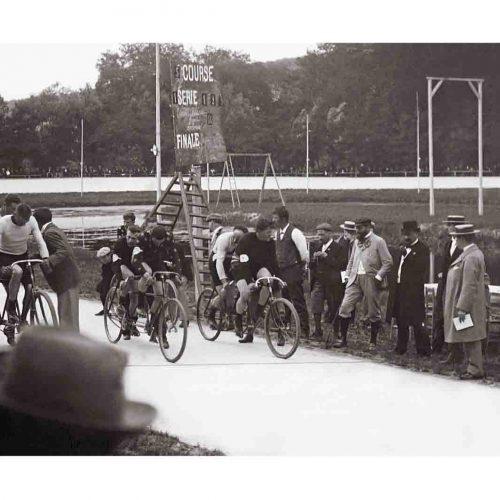 Photo d'époque Cycles n°46 - course cycliste