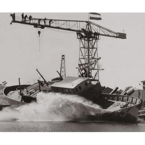 Photo d'époque Sur l'eau n°58 - Mise à l'eau - chantier naval hollandais