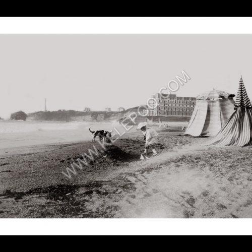 Photo d'époque Biarritz n°04 - plage de Biarritz avec vue sur l'hôtel du Palais