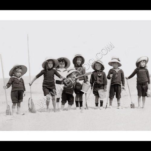 Photo d'époque Enfance n°30 - enfants sur la plage