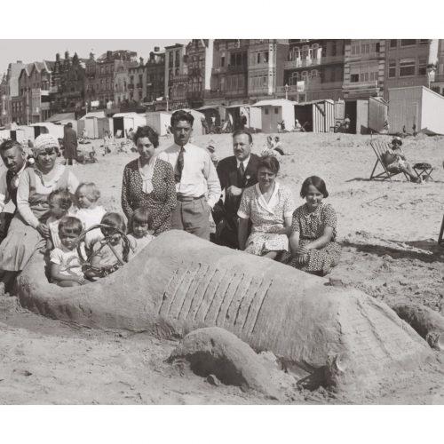 Photo d'époque Mer n°77 - pâtés de sable - Plage du Nord - 1932