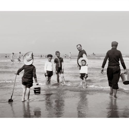 Photo d'époque Mer n°78 - famille à la plage