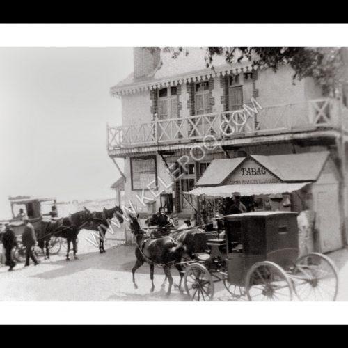 Photo d'époque Noirmoutier n°23 - La voiture du docteur en 1906 devant la plage des Dames
