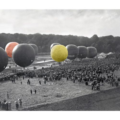 Photo d'époque Dans les airs couleur n°11 - vol de montgolfières (70x105)