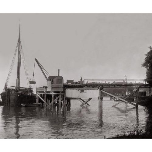 Photo d'époque Sur l'eau n°71 - chargement marchandises bord de la Garonne