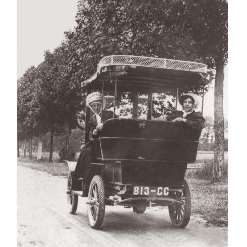 Photo d'époque Automobile n°79 - balade en voiture décapotable