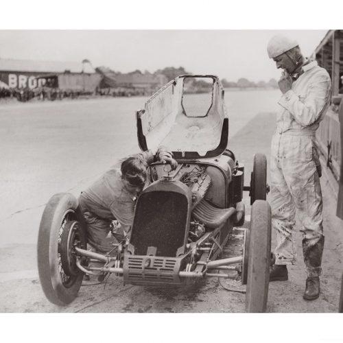Photo d'époque Automobile n°90 - major Sir Henri Segrave - circuit de Brooklands - 1926 - Photographe Victor Forbin