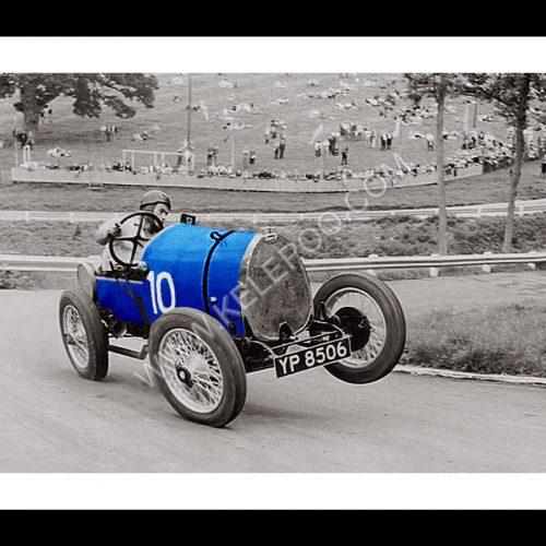 Photo d'époque Automobile en couleur n°82 - voiture Bugatti Type 13 Brescia - course Angleterre