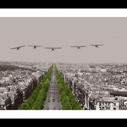 Photo d'époque Dans les airs couleur n°14 - défilé 14 juillet Paris