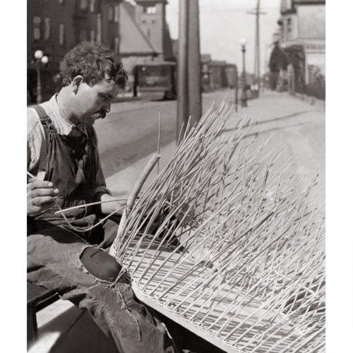 Photo d'époque Métiers n°58 - tressage de rotin - Oakland - Californie
