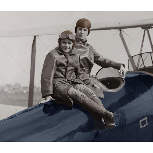 Photo d'époque dans les airs couleur n°04 - avion en famille