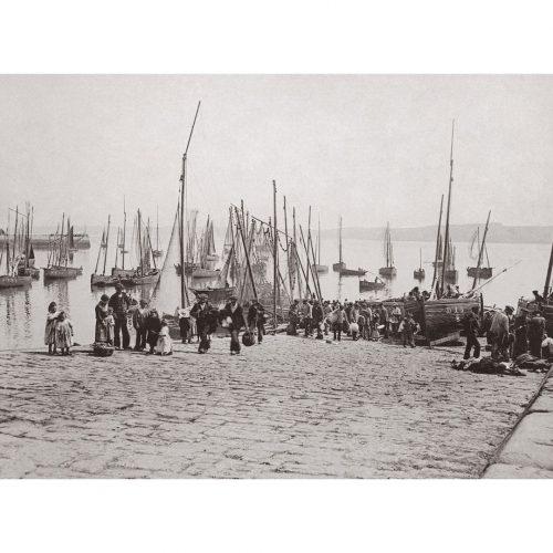 Photo d'époque douarnenez n°02 - cale de douarnenez
