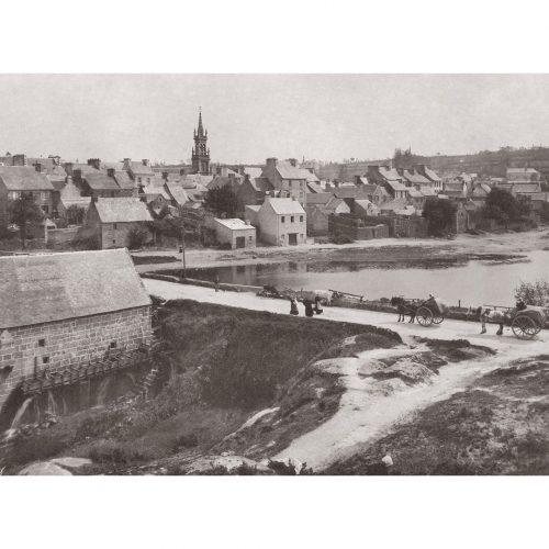 Photo d'époque Le Huelgoat n°01 - vue sur l'église Saint-Yves